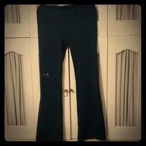 Under armour boot cut yoga pants youth small